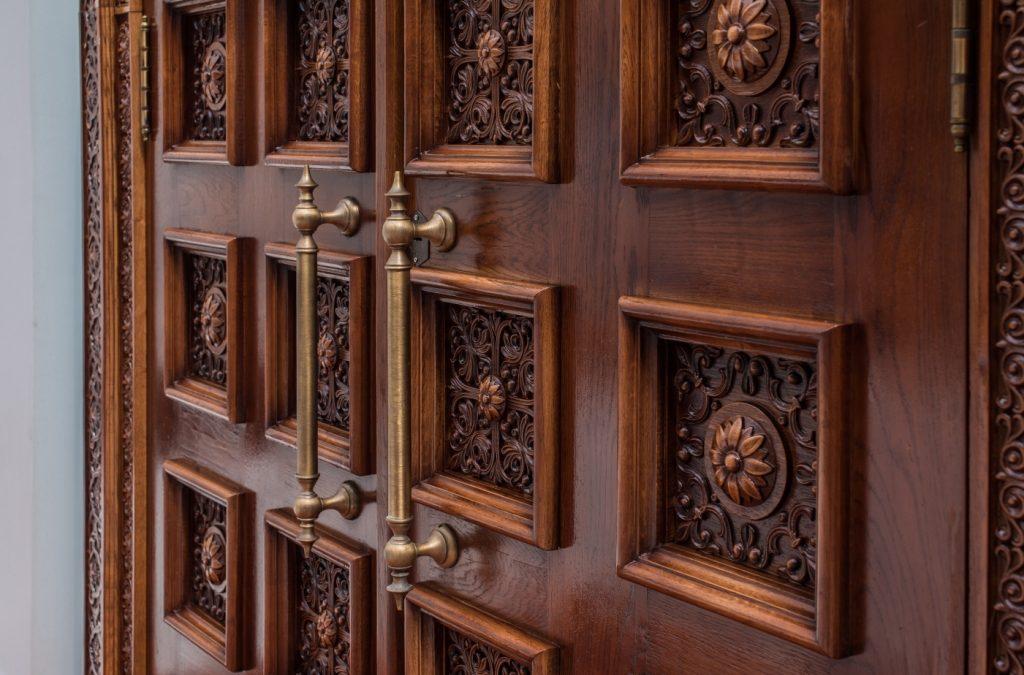 Двери как украшение интерьера
